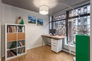 """Photo 7: 901 128 W CORDOVA Street in Vancouver: Downtown VW Condo for sale in """"WOODWARDS"""" (Vancouver West)  : MLS®# R2202808"""