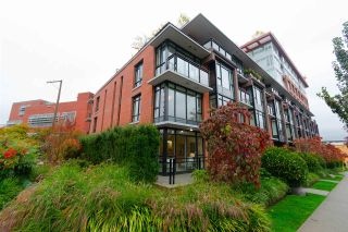 """Photo 1: TH1 2399 SCOTIA Street in Vancouver: Mount Pleasant VE Townhouse for sale in """"SOCIAL"""" (Vancouver East)  : MLS®# R2350537"""