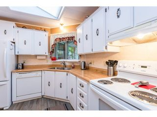 """Photo 3: 74 9080 198 Street in Langley: Walnut Grove Manufactured Home for sale in """"Forest Green Estates"""" : MLS®# R2457126"""