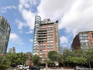 "Photo 1: 10A 199 DRAKE Street in Vancouver: Yaletown Condo for sale in ""Concordia 1"" (Vancouver West)  : MLS®# R2528895"