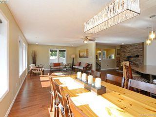 Photo 5: 4901 Maxine Lane in VICTORIA: SE Cordova Bay House for sale (Saanich East)  : MLS®# 767062