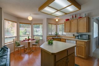 Photo 7: 21578 THORNTON Avenue in Maple Ridge: West Central House for sale : MLS®# V964691