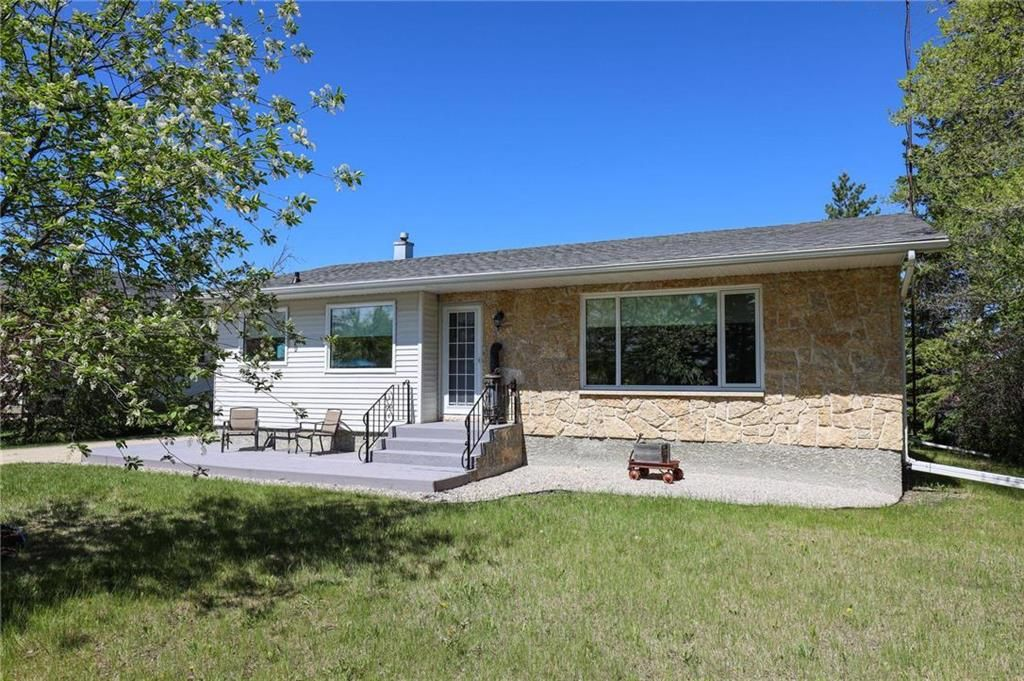 Welcome to 6730 Henderson Highway!
