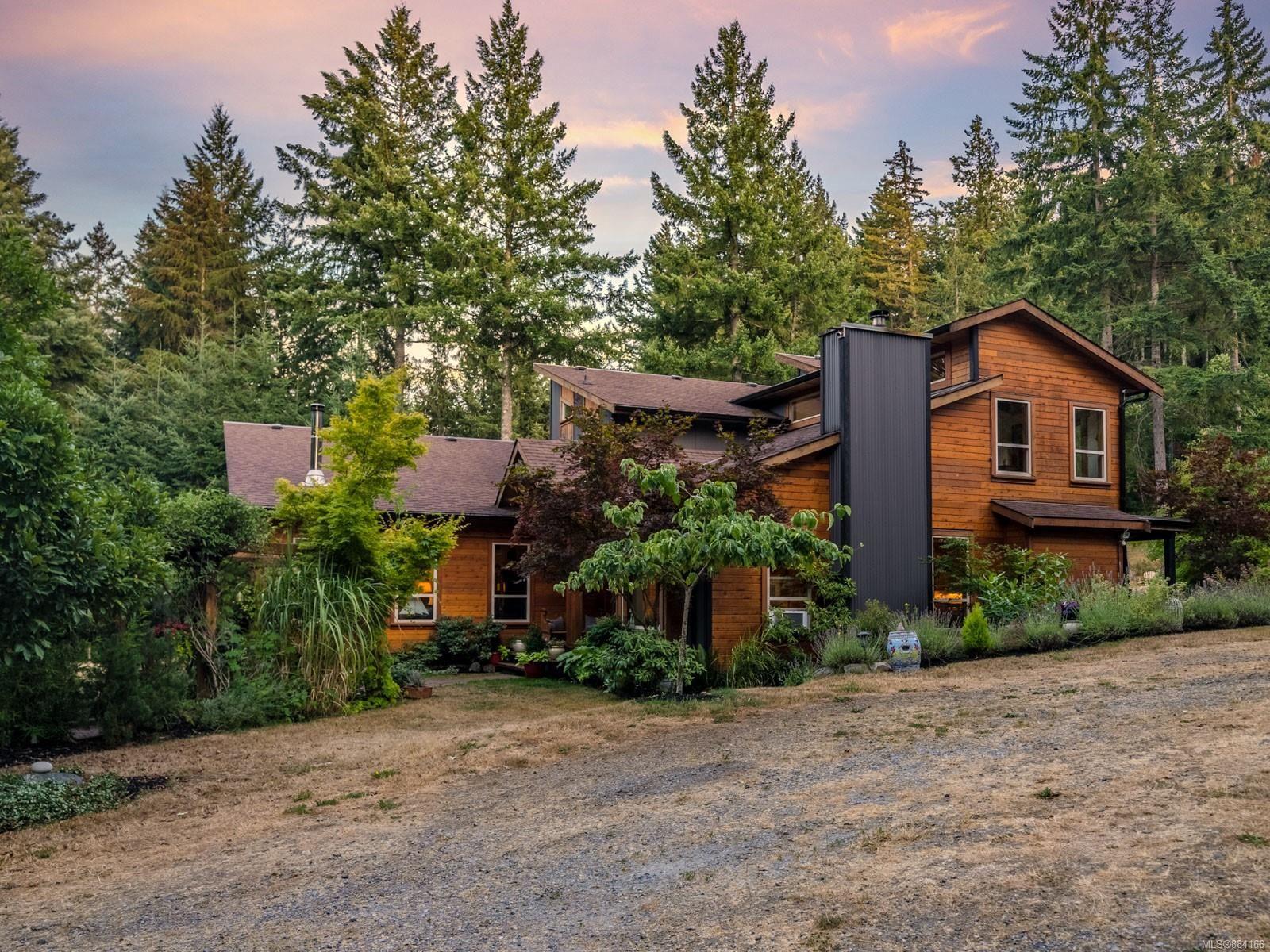 Main Photo: 3021 Jameson Rd in : Na North Jingle Pot House for sale (Nanaimo)  : MLS®# 884166