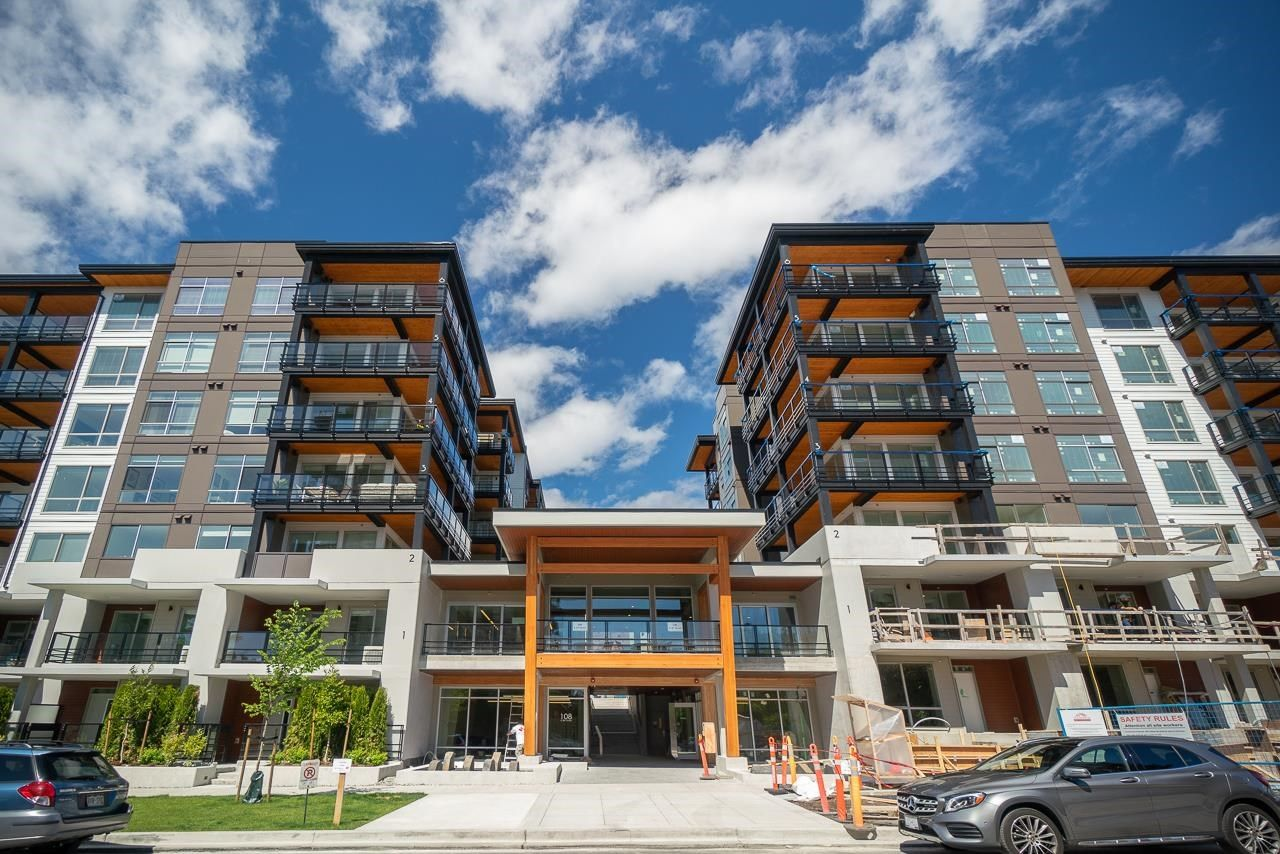 Main Photo: 306 108 E 8TH STREET in North Vancouver: Central Lonsdale Condo for sale : MLS®# R2597477