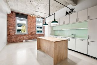 """Photo 1: 204 546 BEATTY Street in Vancouver: Downtown VW Condo for sale in """"The Crane"""" (Vancouver West)  : MLS®# R2625265"""
