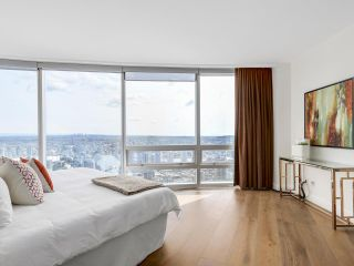 """Photo 16: 4703 938 NELSON Street in Vancouver: Downtown VW Condo for sale in """"One Wall Centre"""" (Vancouver West)  : MLS®# R2155390"""