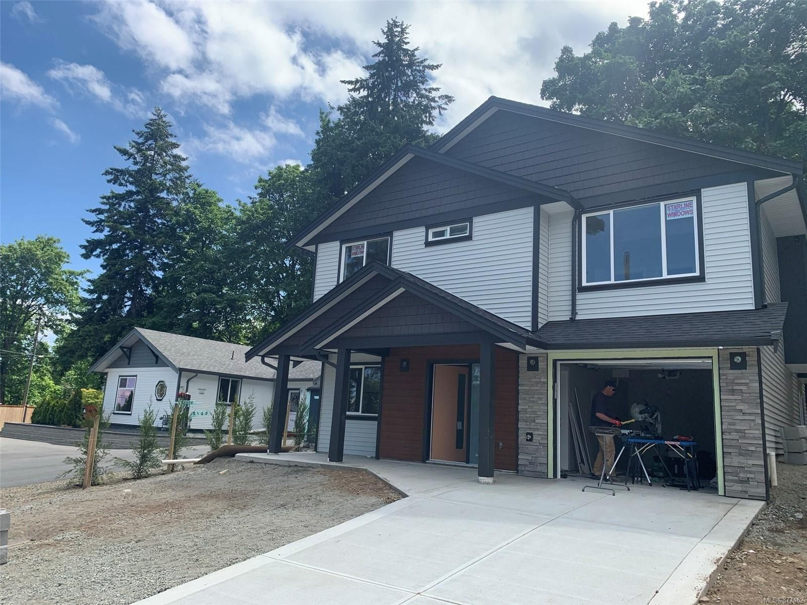 Main Photo: 2149 Salmon Rd in : Na University District House for sale (Nanaimo)  : MLS®# 877162