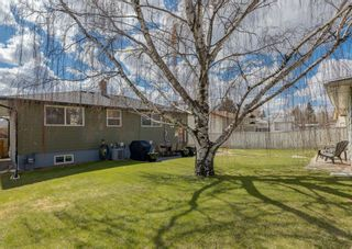 Photo 2: 68 Lynnwood Drive SE in Calgary: Ogden Detached for sale : MLS®# A1103971