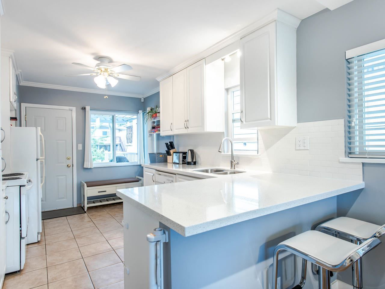 Photo 7: Photos: 4653 UNION STREET in Burnaby: Capitol Hill BN House for sale (Burnaby North)  : MLS®# R2493161