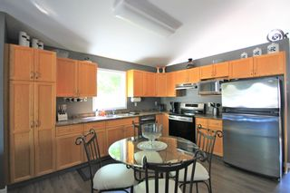 Photo 5: 8 LeGal Bay in St Adolphe: R07 Residential for sale : MLS®# 202021212