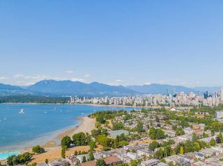 """Photo 27: 401 2298 W 1ST Avenue in Vancouver: Kitsilano Condo for sale in """"The Lookout"""" (Vancouver West)  : MLS®# R2617579"""
