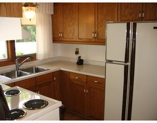Photo 3: 147 STRADFORD Street in WINNIPEG: Westwood / Crestview Residential for sale (West Winnipeg)  : MLS®# 2913110