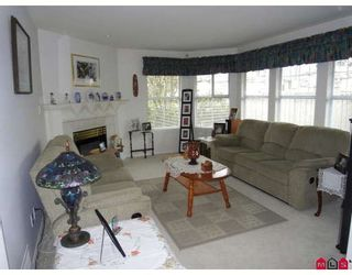 Photo 3: 15810 82ND Avenue in Surrey: Fleetwood Tynehead House for sale : MLS®# F2907124