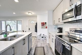 Photo 5: 44 Hardisty Place SW in Calgary: Haysboro Detached for sale : MLS®# A1116094
