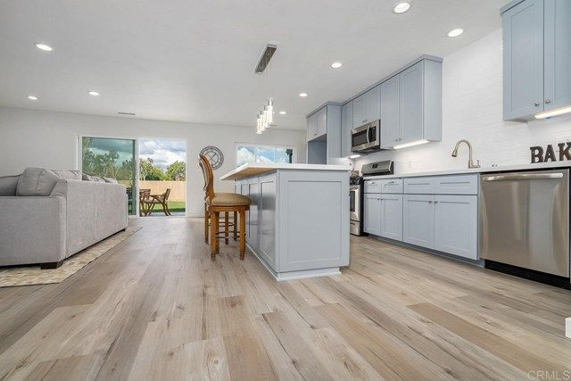 Main Photo: House for sale : 4 bedrooms : 331 Quail Pl in Chula Vista
