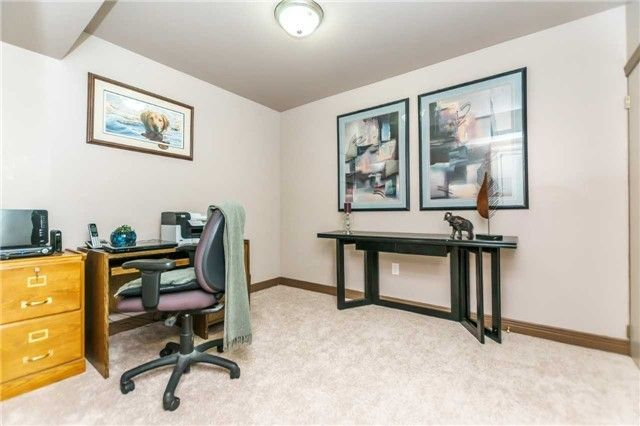 Photo 19: Photos: 140 Fenside Drive in Toronto: Parkwoods-Donalda House (Bungalow) for sale (Toronto C13)  : MLS®# C4189214