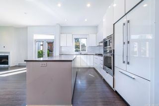 """Photo 12: 44 10388 NO. 2 Road in Richmond: Woodwards Townhouse for sale in """"Kingsley Estate"""" : MLS®# R2620163"""