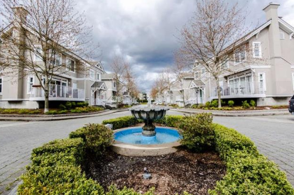 Main Photo: 51 2422 HAWTHORNE Avenue in Port Coquitlam: Central Pt Coquitlam Townhouse for sale : MLS®# R2053802