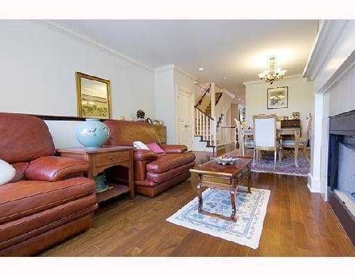 """Photo 2: Photos: 2562 WEST MALL BB in Vancouver: University VW Townhouse for sale in """"WESTCHESTER"""" (Vancouver West)  : MLS®# V734750"""