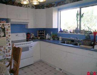 "Photo 2: 302 11650 96 AV in Delta: Annieville Townhouse for sale in ""Delta Gardens"" (N. Delta)  : MLS®# F2522614"