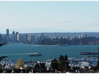 """Photo 1: 404 701 W VICTORIA Park in North Vancouver: Central Lonsdale Condo for sale in """"PARK AVENUE PLACE"""" : MLS®# V1036074"""