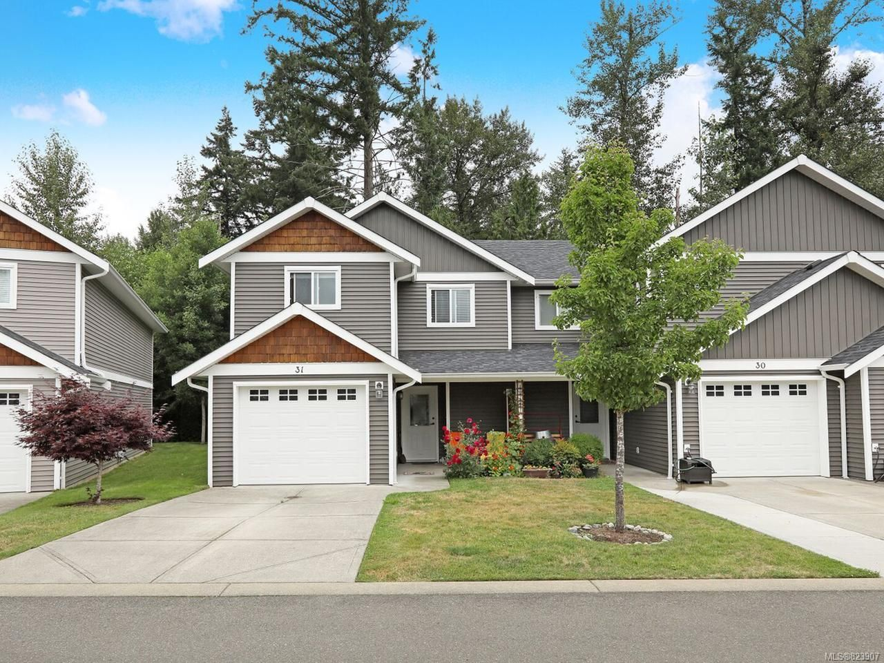 Main Photo: 31 3400 Coniston Cres in CUMBERLAND: CV Cumberland Row/Townhouse for sale (Comox Valley)  : MLS®# 823907