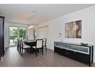 """Photo 4: 598 W 24TH Avenue in Vancouver: Cambie House for sale in """"DOUGLAS PARK"""" (Vancouver West)  : MLS®# V1125988"""