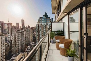 """Photo 5: 3005 928 HOMER Street in Vancouver: Yaletown Condo for sale in """"YALETOWN PARK 1"""" (Vancouver West)  : MLS®# R2599247"""