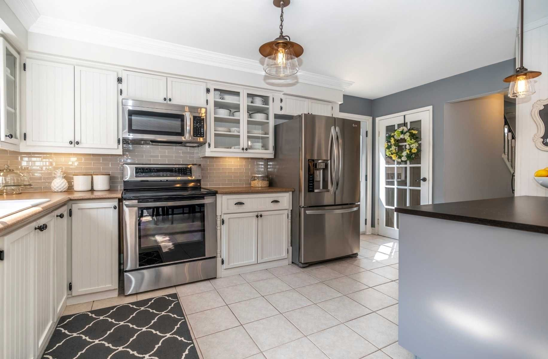 Photo 10: Photos: 547 Camelot Drive in Oshawa: Eastdale House (2-Storey) for sale : MLS®# E4529227