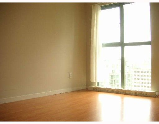 """Photo 7: Photos: 2101 1188 HOWE Street in Vancouver: Downtown VW Condo for sale in """"1188 HOWE"""" (Vancouver West)  : MLS®# V694208"""