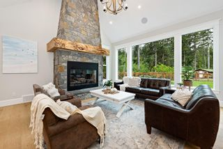 Photo 8: 2229 Lois Jane Pl in : CV Courtenay North House for sale (Comox Valley)  : MLS®# 875050