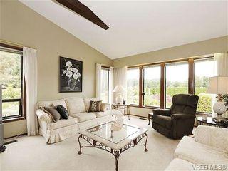 Photo 2: 8092 Mahon Pl in SAANICHTON: CS Saanichton House for sale (Central Saanich)  : MLS®# 649318