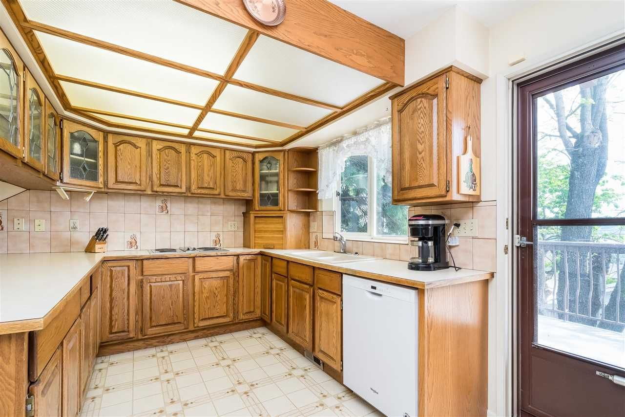 Photo 13: Photos: 1608 NANAIMO Street in New Westminster: West End NW House for sale : MLS®# R2579359