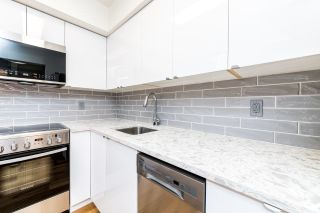 """Photo 3: 108 2215 DUNDAS Street in Vancouver: Hastings Condo for sale in """"Harbour Reach"""" (Vancouver East)  : MLS®# R2598366"""