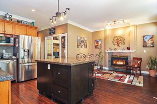 "Photo 6: 75 20881 87 Avenue in Langley: Walnut Grove Townhouse for sale in ""Kew Gardens"" : MLS®# R2395685"