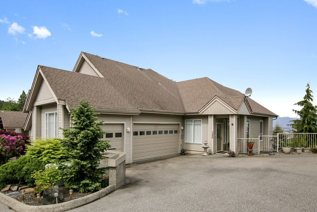 Main Photo: 1706 5260 GOLDSPRING PLACE in : Promontory Townhouse for sale : MLS®# R2457420