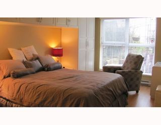 """Photo 10: 212 315 KNOX Street in New Westminster: Sapperton Condo for sale in """"SAN MARINO"""" : MLS®# V809268"""