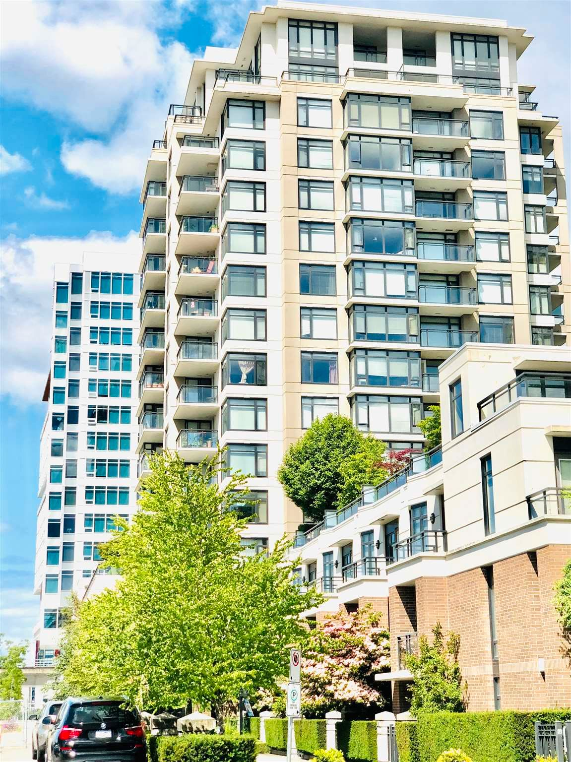 """Main Photo: 1202 6351 BUSWELL Street in Richmond: Brighouse Condo for sale in """"EMPORIO"""" : MLS®# R2598772"""