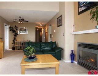 """Photo 5: 406 5765 GLOVER Road in Langley: Langley City Condo for sale in """"College Court"""" : MLS®# F2818017"""