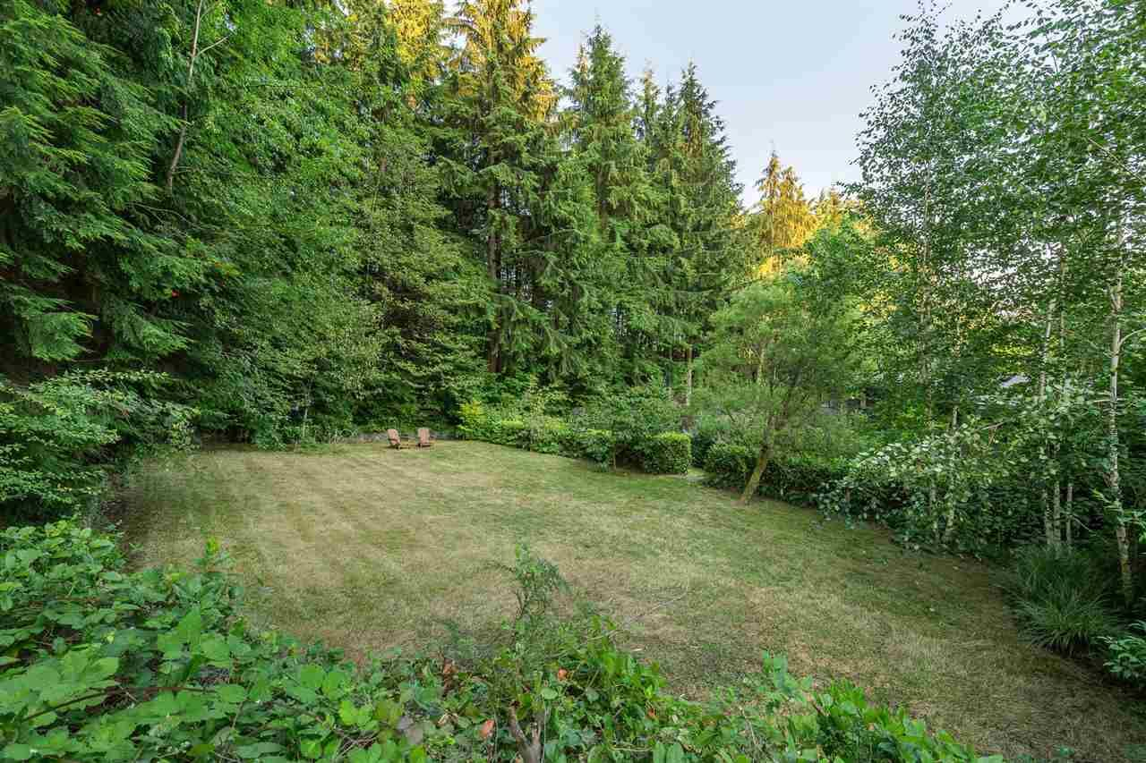 Photo 17: Photos: 315 MULGRAVE Place in West Vancouver: British Properties House for sale : MLS®# R2483368