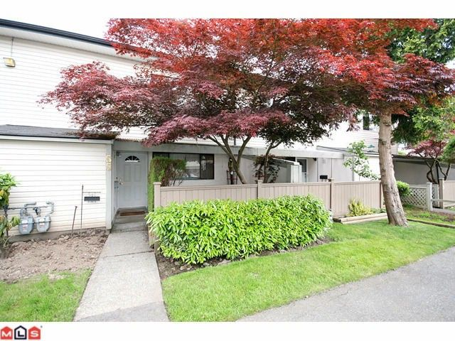 Main Photo: 55 5201 204TH Street in Langley: Langley City Townhouse for sale : MLS®# F1116357
