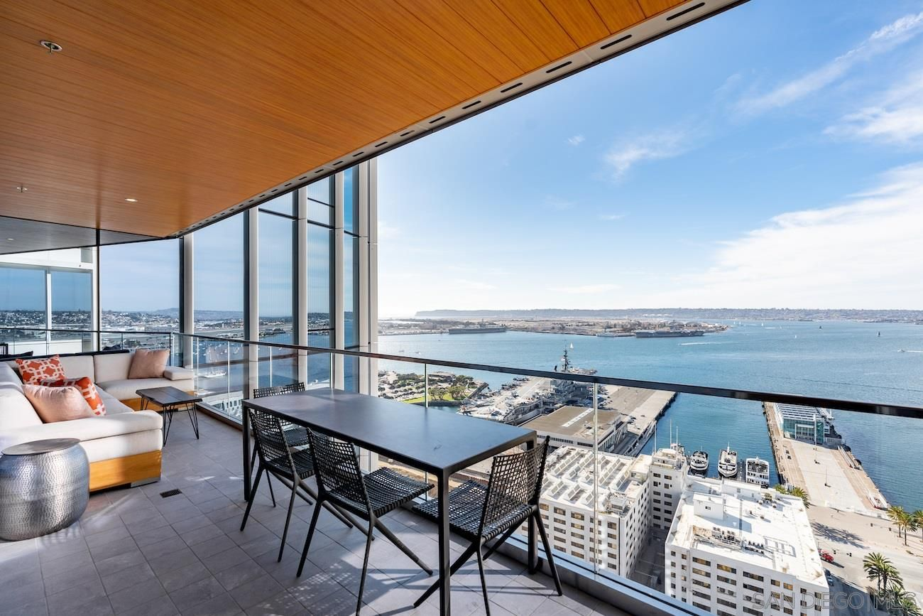 Main Photo: DOWNTOWN Condo for sale : 3 bedrooms : 888 W E Street #3101 in San Diego