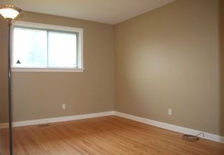Photo 8: 7 Galsworthy Drive in MARKHAM: House (Bungalow) for sale : MLS®# N1086851