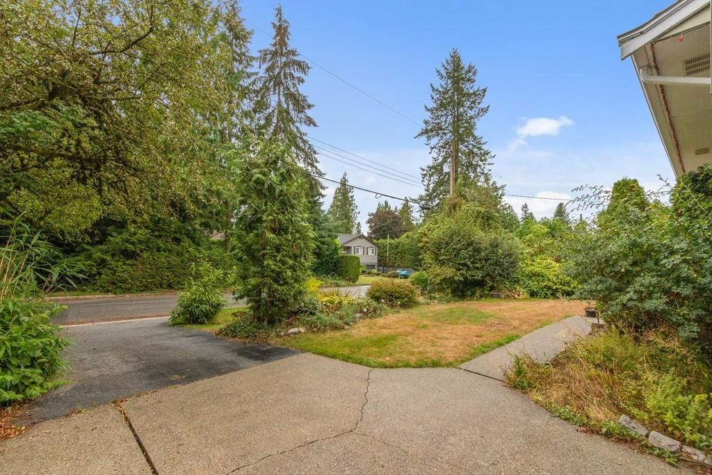 Photo 26: Photos: 1038 MARIGOLD Avenue in North Vancouver: Canyon Heights NV House for sale : MLS®# R2577593