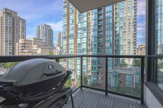 "Photo 5: 701 928 HOMER Street in Vancouver: Yaletown Condo for sale in ""YALETOWN PARK 1"" (Vancouver West)  : MLS®# R2395020"
