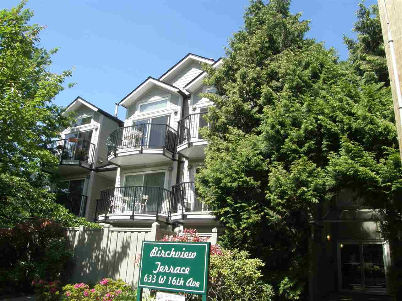 "Main Photo: 210 633 W 16TH Avenue in Vancouver: Fairview VW Condo for sale in ""BIRCHVIEW TERRACE"" (Vancouver West)  : MLS®# R2061596"