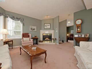 Photo 4: 63 Salmon Crt in VICTORIA: VR Glentana Manufactured Home for sale (View Royal)  : MLS®# 783796