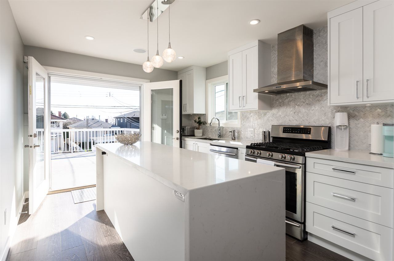 """Photo 8: Photos: 516 E 49TH Avenue in Vancouver: South Vancouver House for sale in """"FRASER"""" (Vancouver East)  : MLS®# R2461034"""