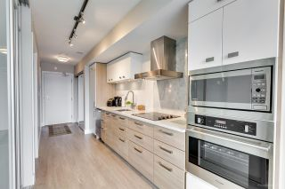 """Photo 3: 611 1783 MANITOBA Street in Vancouver: False Creek Condo for sale in """"The Residences at West"""" (Vancouver West)  : MLS®# R2155834"""
